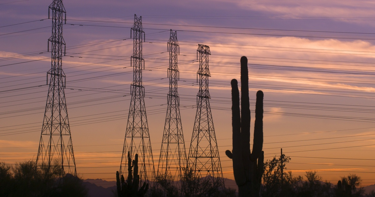 Desert-power-lines-Twitter
